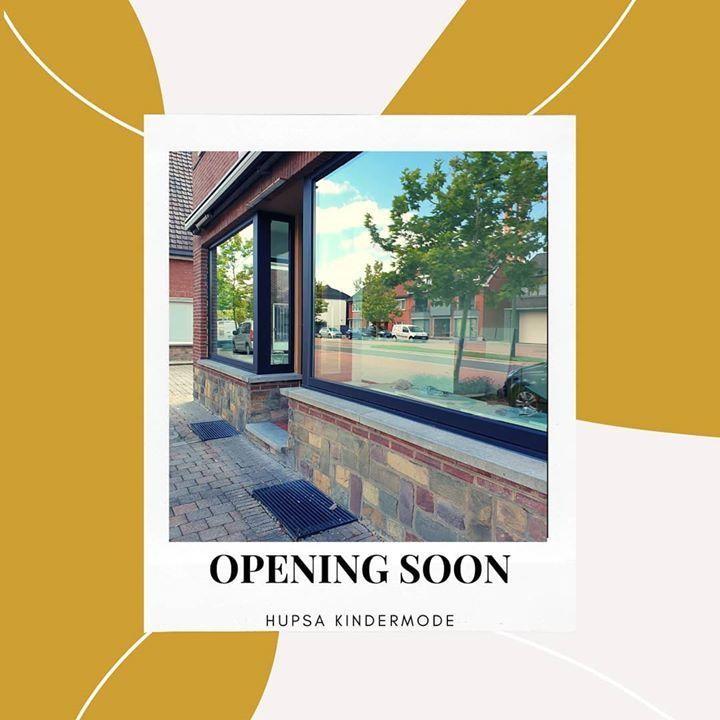THE WORD IS OUT! We openen een fysieke winkel 🤩 . We openen 17 juli met een