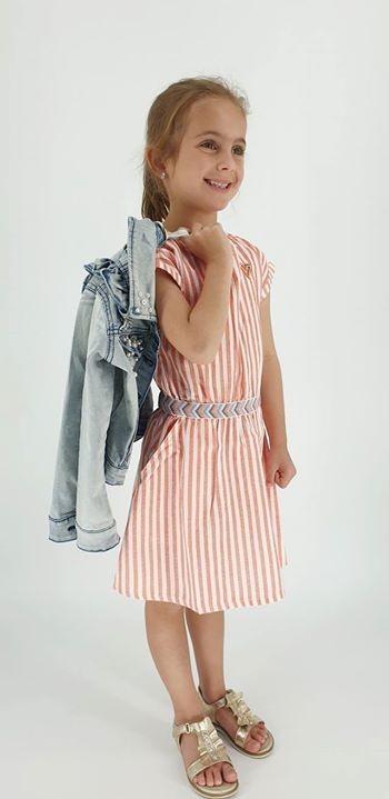 Heerlijk jurkje van Tumble 'n Dry 👌 En het jeansjasje is vandaag geen overbodige luxe ☁️🌂