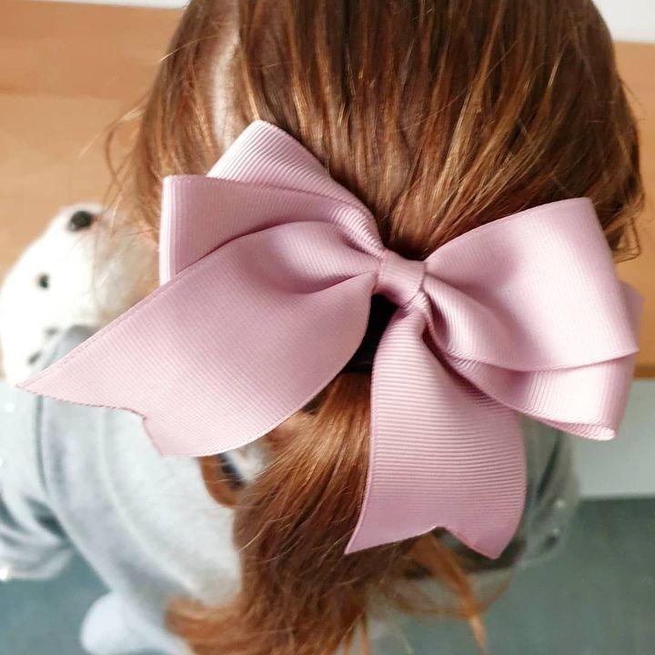 hupsakindermode * Wake up * Wear a bow 🎀 * Be cute * Repeat *Er werden weer heel wat strikjes,