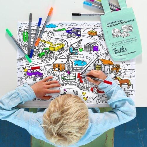 Eat Sleep Doodle Herkleurbare placemat 'Working Wheels'