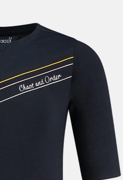 T-shirt 'Ruth - blauw' Chaos and Order